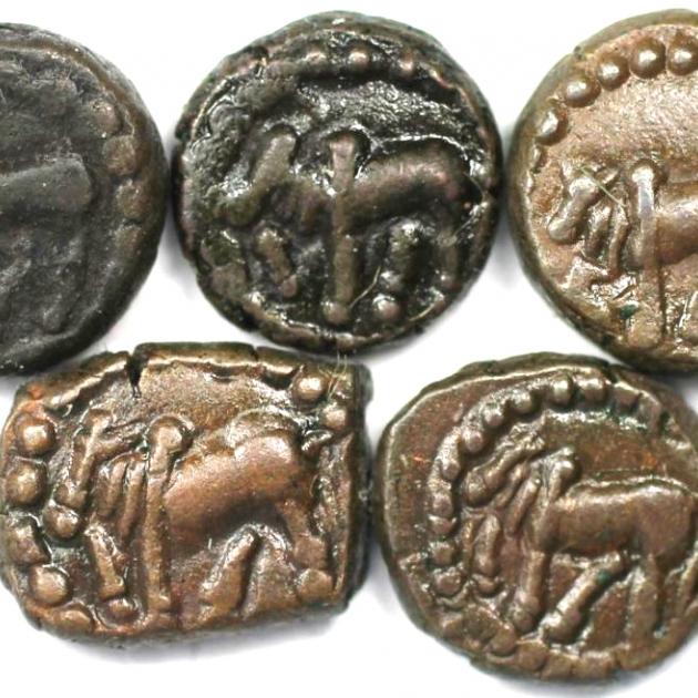 Lot von 5 Münzen 340 n. Chr avers